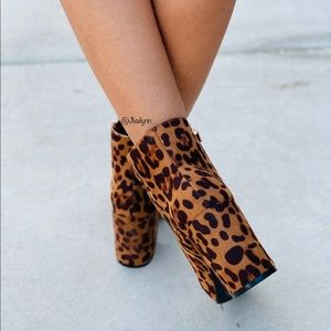 Fabutiq Shoes - Leopard print ankle bootie